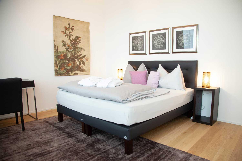 Schlafzimmer (12)