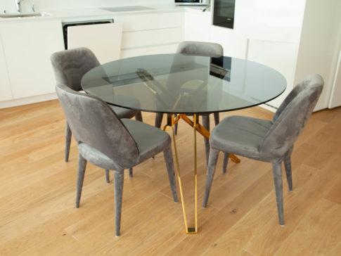 round Table rent furniture